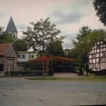 2015.03.16. Dorfplatz mit Forstscheuene L1090142